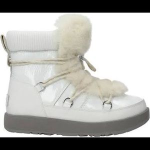 UGG W HIGH HIGHLAND WATERPROOF 1096467 W/WHT BOOTS